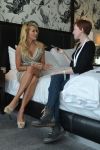 avn wrap-up, jessica drake interviewed by lynsey g, photo by jayel draco