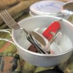 キャンプ料理は簡単に手抜きでも大丈夫!レトルトや缶詰を使って