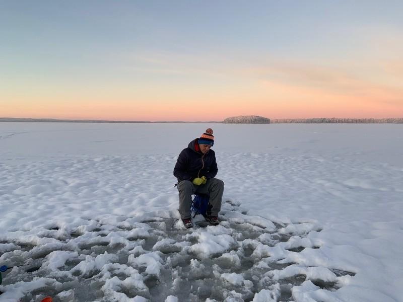 Pêche Lac gelé Laponie