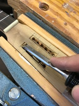 UKU-T-13 carving the slotted head