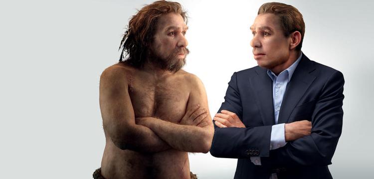 Vue d'artiste de Néandertal: une version ultramoderne face à une version plus «primitive» de lui-même. On lui reconnaît, aujourd'hui, certaines caractéristiques que l'on croyait réservées à Homo sapiens, l'«homme moderne». S. ESSTRANGLE, E. DAYNES/LOOKATSCIENCES; WIESLAW SMETEK