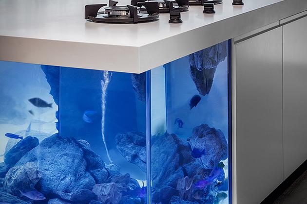 Ocean-Kitchen-Aquarium-Island-3