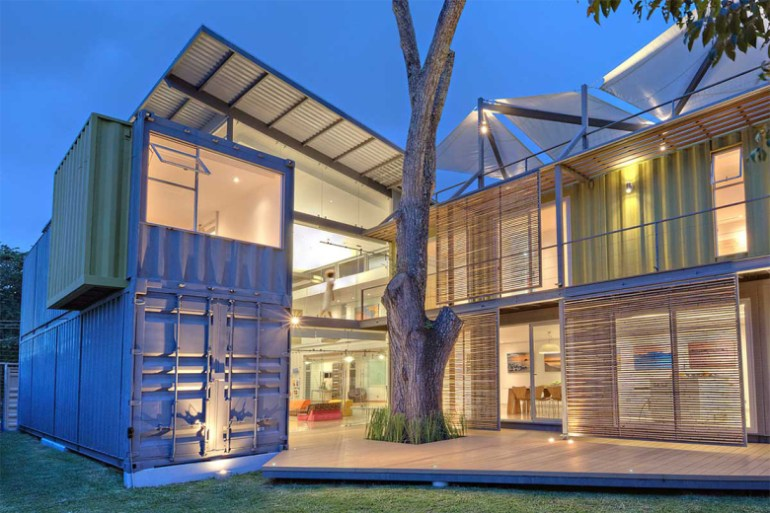the-shipping-container-constructed-casa-incubo-by-maria-jose-trejos-1