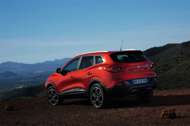 the-renault-kadjar-crossover-car-to-be-unveiled-at-2015-geneva-motor-show-launch-2