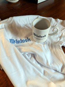 Taza y camiseta de McIntosh