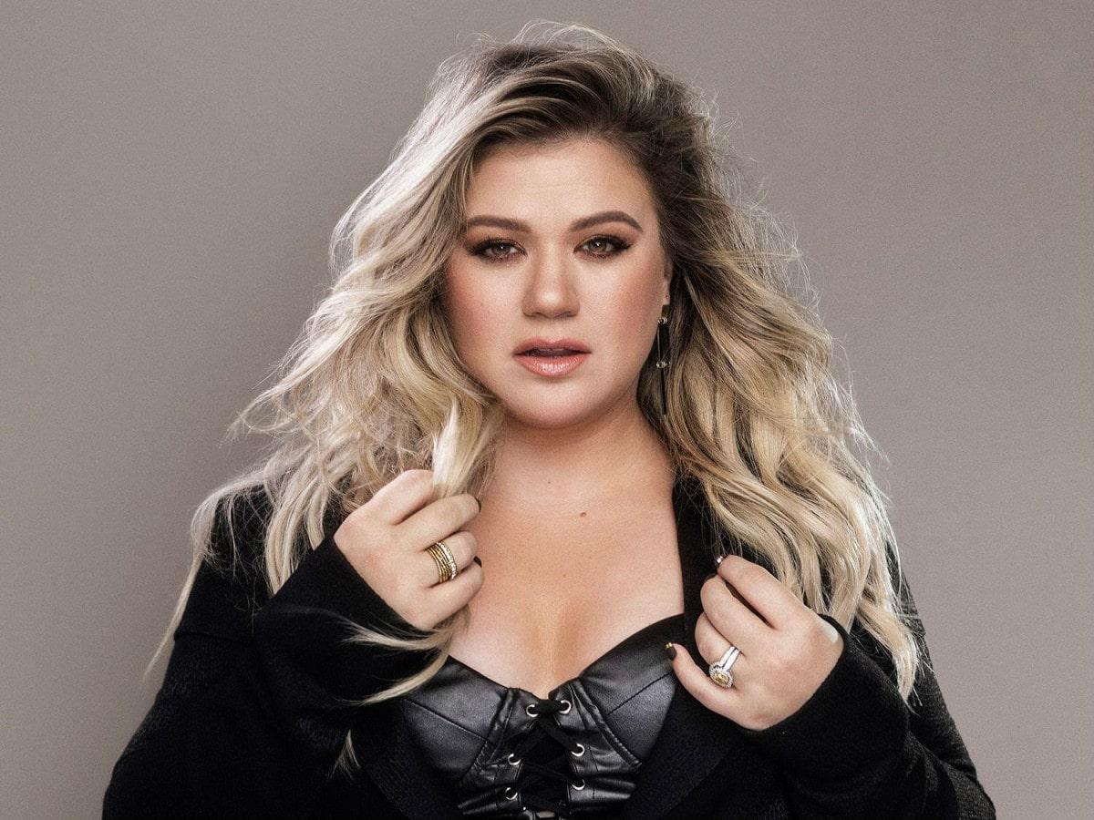 Kelly Clarkson - Broken & Beautiful Lyrics