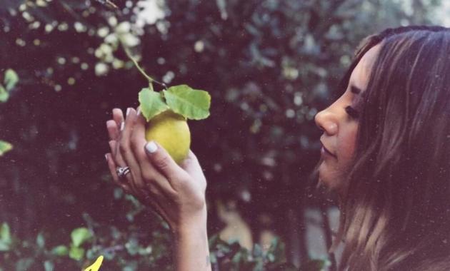 Ashley Tisdale - Lemons lyrics