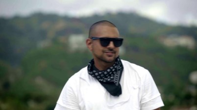 Sean Paul – HOLD ON TO THE DREAM Lyrics