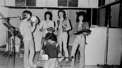 The Rolling Stones - Scarlet Lyrics