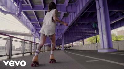 Sylvan Esso - Rooftop Dancing Lyrics