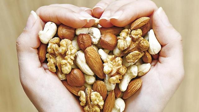Healthy Skin Diet | The Best And Worst Foods For Your Skin Lysa Africa Magazine Almonds And Walnuts