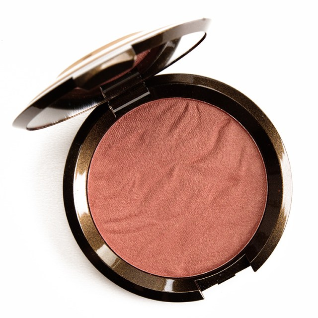 Best Bronzers For Dark And Deep Skin Tones - Lysa Magazine becca cosmetics maui nights bronzer