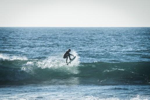 surfer windansea ocean san diego