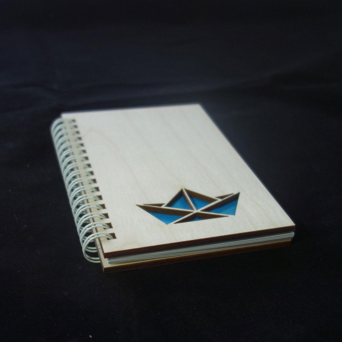 Μπλοκ σημειώσεων με ξύλινο εξώφυλλο από σημύδα