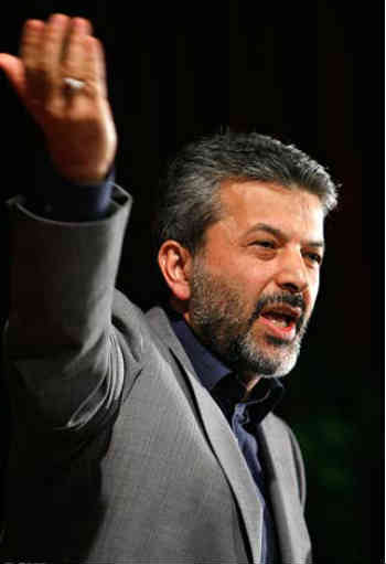 https://i2.wp.com/m-01.fozoolemahaleh.com/2013/01/Kamran-Daneshjoo-Irans-science-Minister-had-sex-with-Azade-Ardakani-in-Elavator-Tehran-Iran-2013.jpg