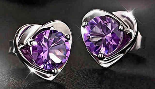 Bélier: talisman de pierre pour les femmes d'anniversaire