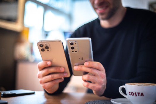 OnePlus and Apple experienced explosive growth in India last quarter