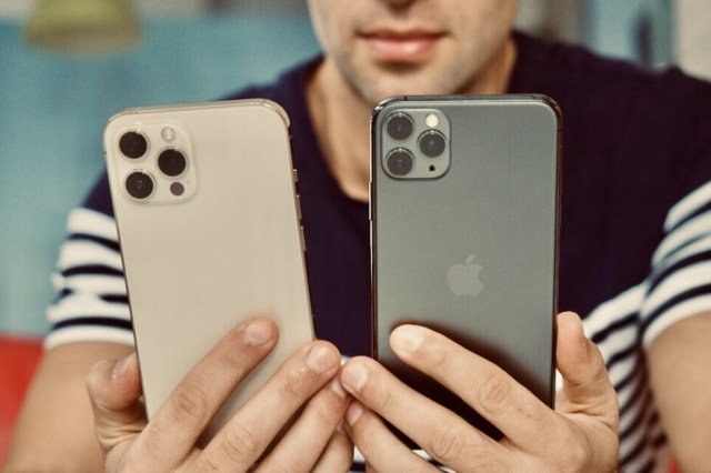 The flat edges of the iPhone 12 are eye-catching, but also kinda hand-scratching... - The lost iPhone features we want back on the iPhone 13 & 14