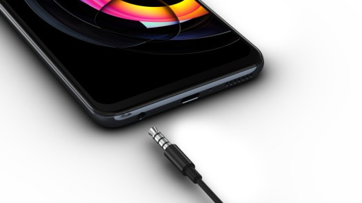 You're not dreaming, the Edge 20 Lite has a headphone jack and a memory card slot - Motorola Edge 20 Lite is official: Affordable and fully specced
