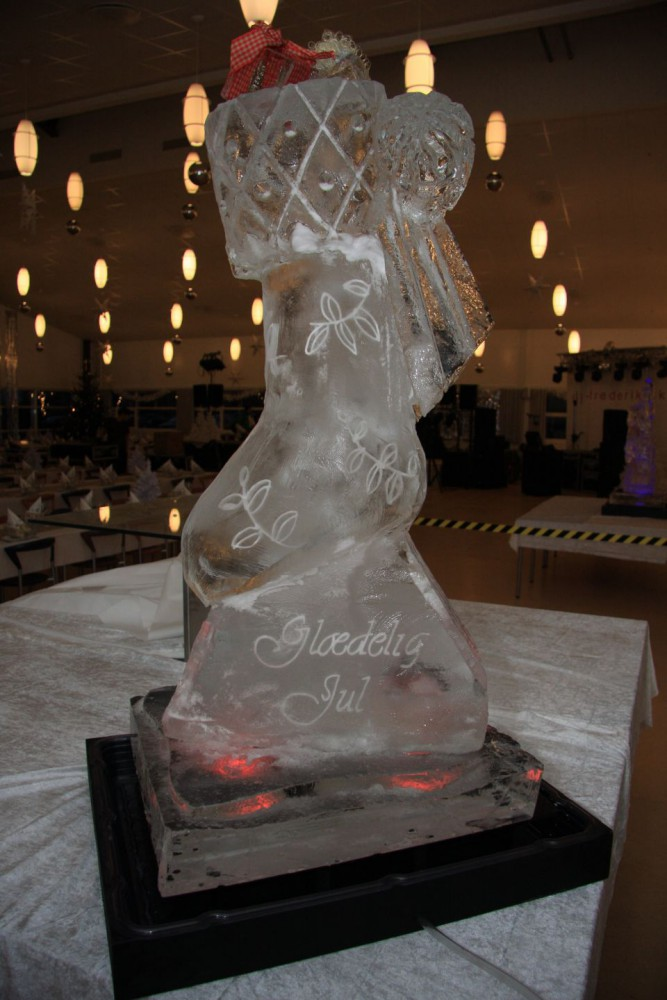 Merry Christmas Ice Sculpture Comwell