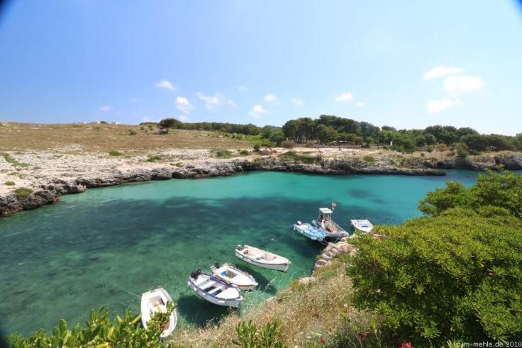 Boote in der Bucht von Porto Badisco