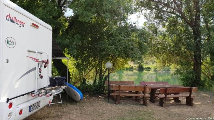 Auto River Camp Half Island, Bosnien - Herzegowina