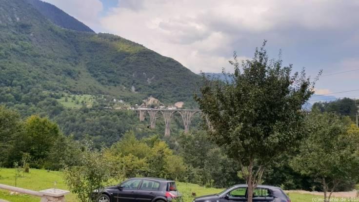 Blick zur Tara Brücke, Montenegro