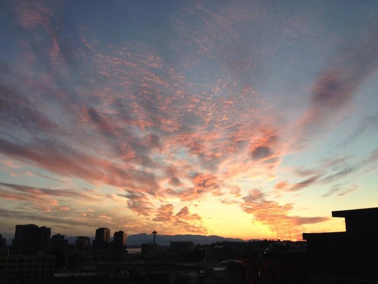 03-smartphones-seattle-sunset