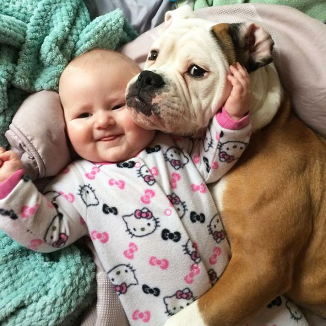 kids-with-dogs-59_700.jpg