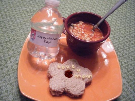 anyák napi ebéd.jpg