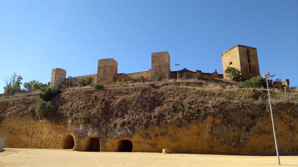 Resultado de imagen de Castillo de Alcalá de Guadaíra