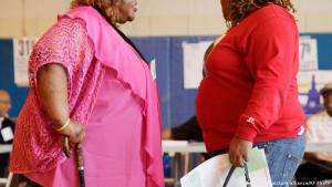 Two overweight women. (picture alliance/AP Photo)