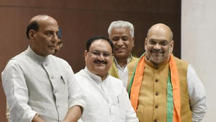 Farmers' protests: Union ministers Amit Shah, Rajnath Singh, Narendra Singh Tomar meet at BJP chief Nadda's residence - india news - Hindustan Times