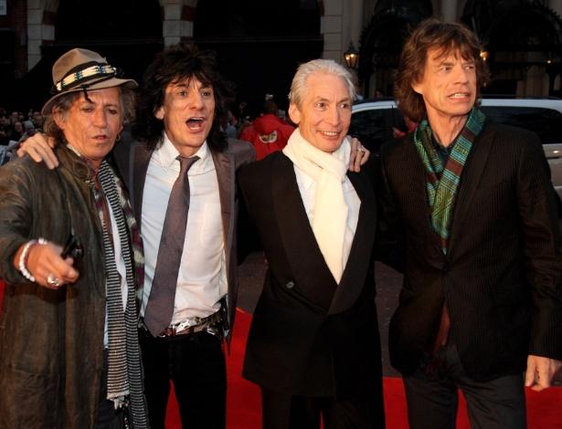"""Os integrantes do Rolling Stones Keith Richards, Ronnie Wood, Charlie Watts e Mick Jagger no lançamento do filme """"Shine a Light"""", em Londres (02/04/2008)"""