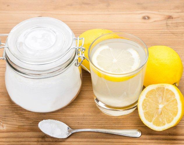 ماذا يحصل عندما تمزجين بيكربونات الصودا والليمون