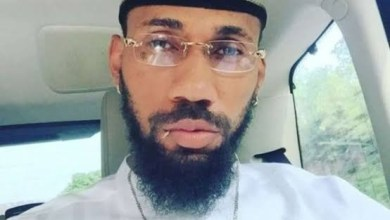Photo of Phyno : Cheque – Satisfied