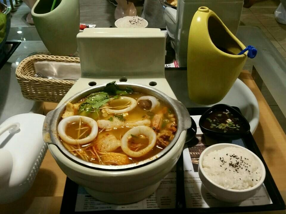 Image result for toilet restaurant ximending