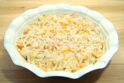Добавить слой квашенной капусты.