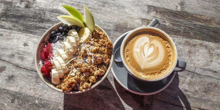 Infarctus : un pronostic plus sombre chez les personnes qui sautent le petit-déjeuner