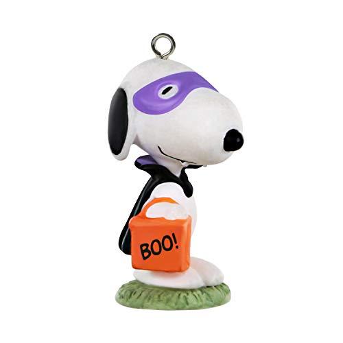 """Hallmark Keepsake Halloween Ornament 2020, Mini Peanuts Vampire Snoopy, 1.15"""""""