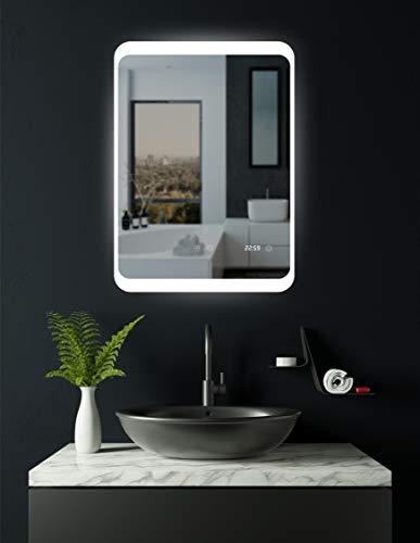 HOKO® LED Badspiegel mit ANTIBESCHLAG SPIEGELHEIZUNG und digitaler Uhr, Duisburg 60x80cm, Badezimmerspiegel mit Uhr, Energieklasse A+ (WEEE-Reg. Nr.: DE 40647673)