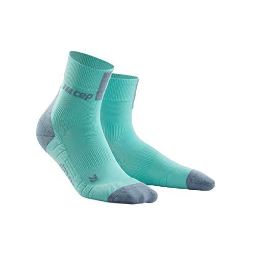 CEP – Short Socks 3.0 für Damen | Sportsocken für mehr Power und Ausdauer in hellblau/grau in Größe III