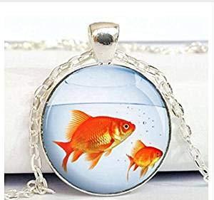 Halskette mit Goldfisch-Anhänger, Fischglas-Glas