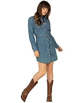 Long Sleeves Snap Front, Snap Cuffs, Spread Collar Two Spade Pockets with Snap Flaps and W Stitching, Western Yokes