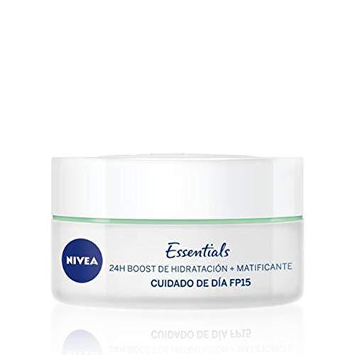 NIVEA Cuidado de Día Matificante (1 x 50 ml), crema matificante y con 24 h boost de hidratación,...