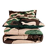 WoShuo Camouflage Comforter Queen Set, Green Camo Army Bedding, 3 PCS One Comforter and Two Pillow Shams, Microfiber Lightweight Soft Bedspread for All Seasons Boys Girls Adults(Green, Queen,3 PCS)