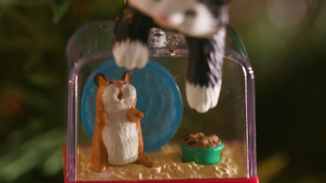 Hallmark-Keepsake-Christmas-Ornament-2020-Mischievous-Kittens-Cat-and-Hamster
