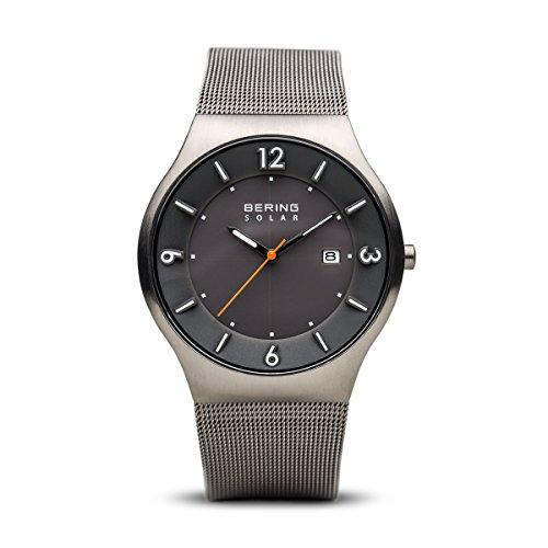 Bering Herren Analog Solar Uhr mit Edelstahl Armband 14440-077