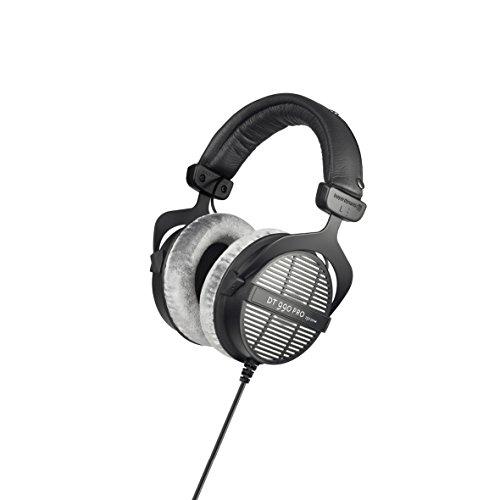 beyerdynamic ダイナミックオープン型オーバーヘッドホン DT 990 PRO 【並行輸入品】 MIKI(KANDYTOWN) の愛用ヘッドフォンは「beyerdynamic ( ベイヤーダイナミック ) / DT990PRO」【徹底解説】音楽のプロが使用するヘッドフォン特集!ミュージシャン、作曲家、エンジニアが使用するDTMや作曲・編曲にオススメのヘッドフォン・イヤホンの紹介!