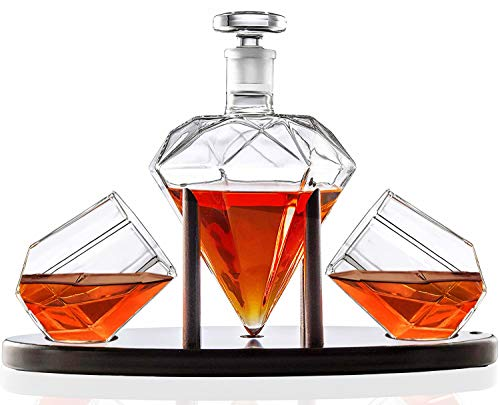 Whiskey Decanter Diamond shaped With 2 Diamond Glasses &...